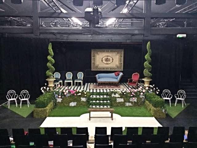 Fond de scène végétal pour décor de pièce de thèâtre.
