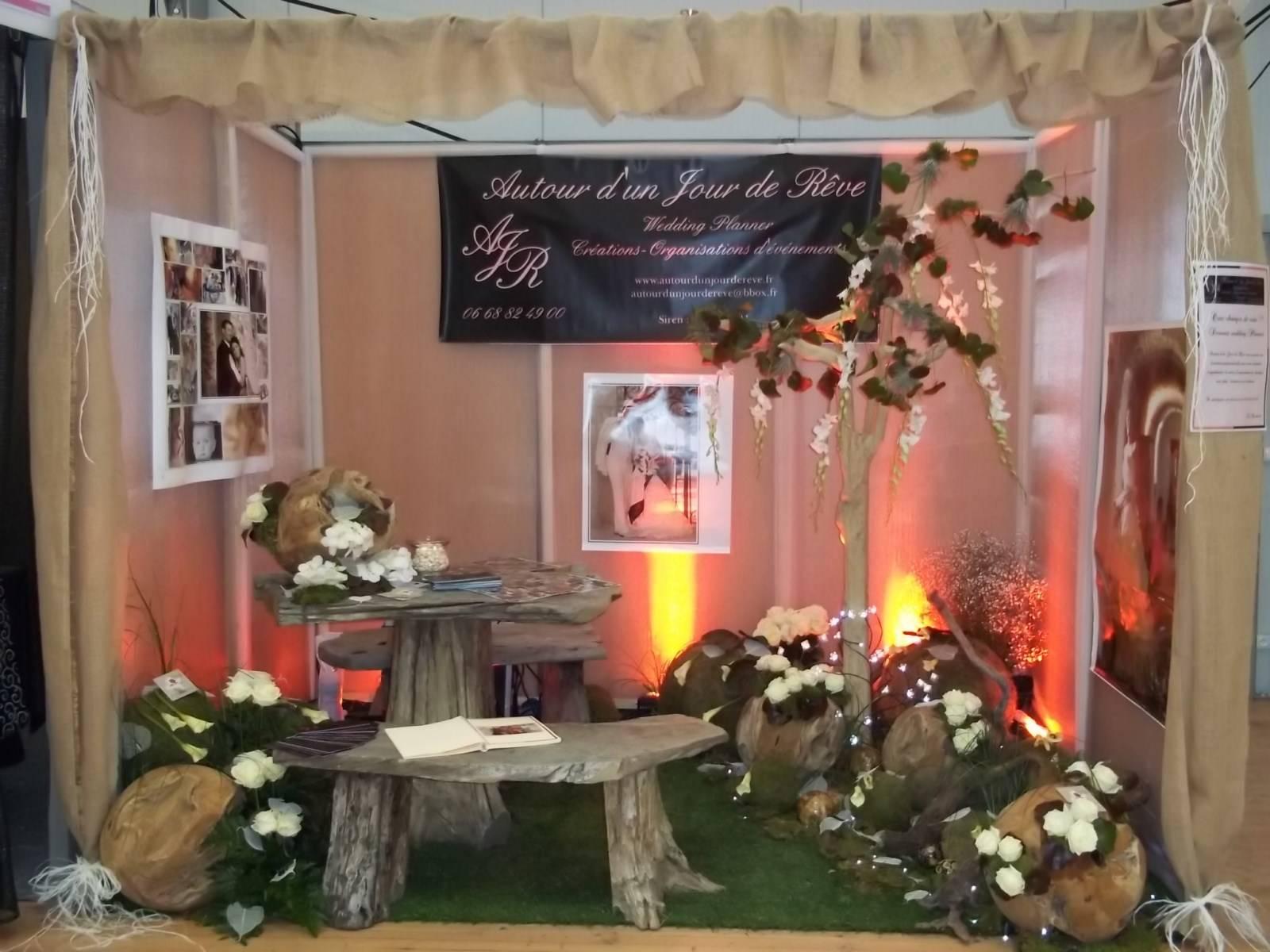 jardin champêtre pour vos scènes et podium d'exposition