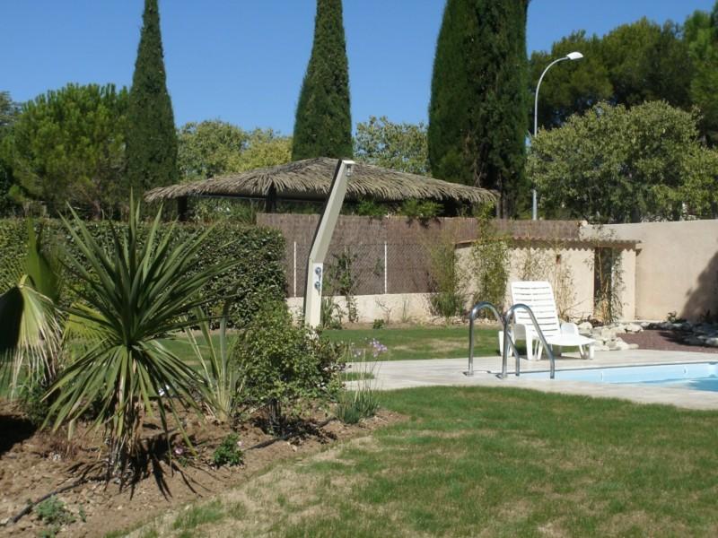 Cr ation de jardin espace vert paysagiste avignon salon de - Distance salon de provence aix en provence ...