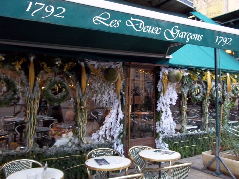 Decoration de noel pour hotel for Jardin restaurant madison