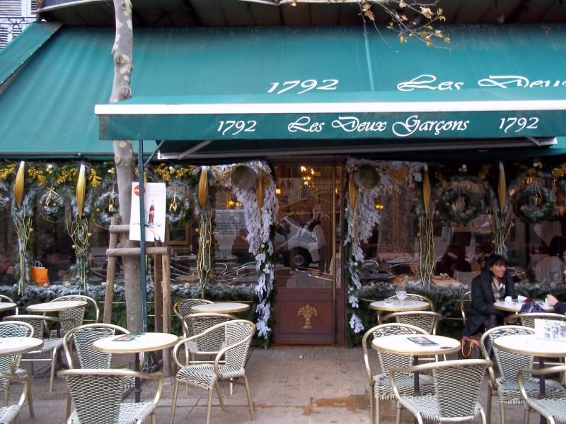 Noel decor vitrine facade brasserie restaurant hotel aix