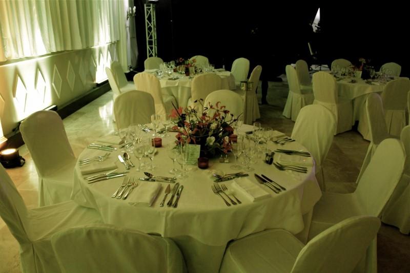 D coration florale centre de table pour soir e gala d ner - Decoration florale centre de table ...