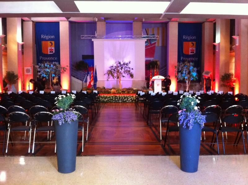Sc ne v g tale decor de salon de stand exposition remise de prix marseille d coration florale for Prix stand salon