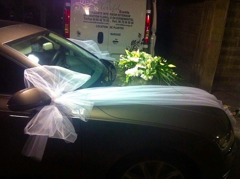 fleurs de lis et gla eul en blanc et vert pour la voiture de mariage marseille d coration. Black Bedroom Furniture Sets. Home Design Ideas