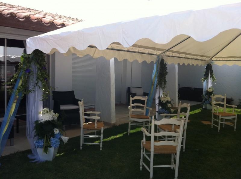 d coration florale de tente et chapiteau de r ception et. Black Bedroom Furniture Sets. Home Design Ideas