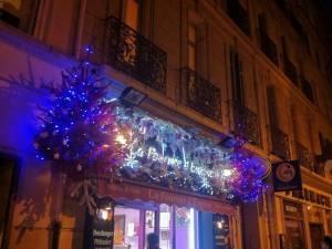 Vitrine et façade de Noël à Marseille,