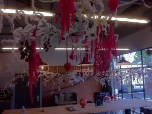vitrine de noel et création de décor de fêtes pour commerce Marseille Aix en Provence