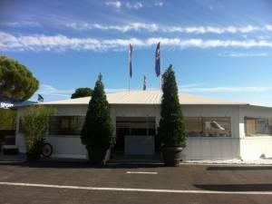 location de palmiers et oliviers pour exposition, tente avec livraison et retrait Toulon Cannes