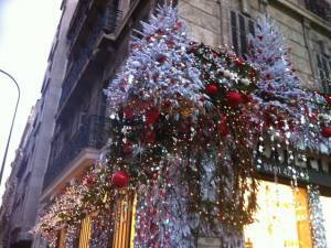 Vitrine et façade de Noël avec lumière en location Aix en provence Marseille