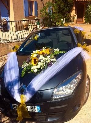 voiture des mari s aux couleurs des fleurs de provence cassis d coration florale avignon paca. Black Bedroom Furniture Sets. Home Design Ideas