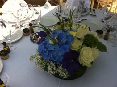 Compositions florales pour mariage buffet traiteur centre - Decoration salle de reception pour mariage ...