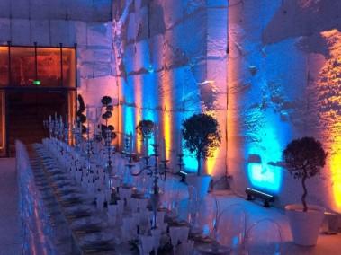 Centres de tables et décors de buffets traiteurs en bouquets et couronnes pour mariage en provence Avignon